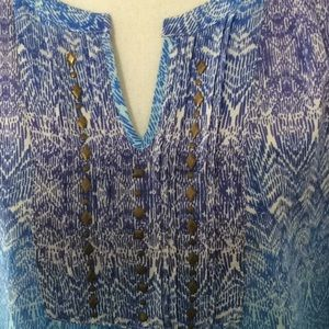 Kim Rogers Tops - 🦋 Kim Rogers boho type blouse in shades of blue